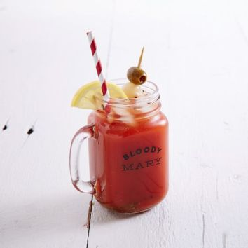 cocktail-recipe-glass-bloody-mary-c